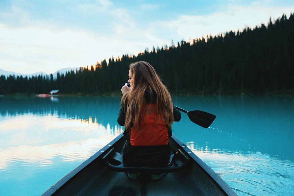 canoeing-1081890_960_720